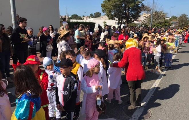 750 crianças desfilaram em Vila Nova de Santo André