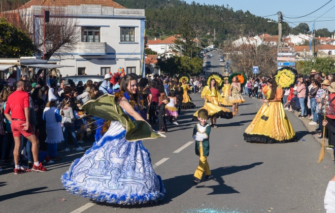 Dezenas de foliões animaram o Carnaval de São Luís em Odemira