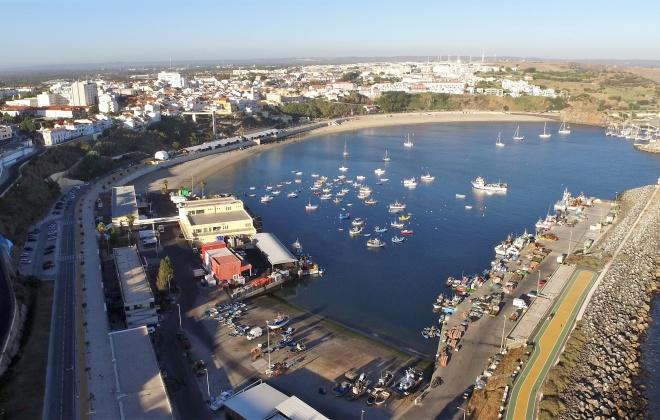 Docapesca adjudica trabalhos de limpeza dos fundos do porto de pesca de Sines