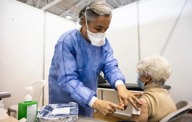 Covid-19: Portugal atinge objetivo de 70% da população vacinada com uma dose