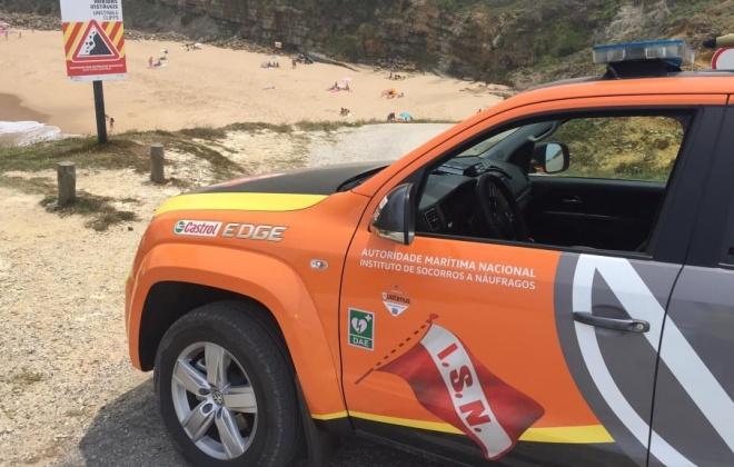 Autoridade Marítima Nacional auxilia jovem em dificuldades na praia da Pedra da Bica na Zambujeira do Mar, Odemira