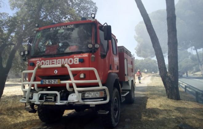 Incêndio consumiu área de mato em Alvalade, Santiago do Cacém