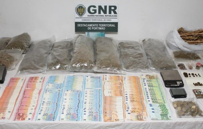 Homem detido em Aljezur com mais de 2 400 doses de droga